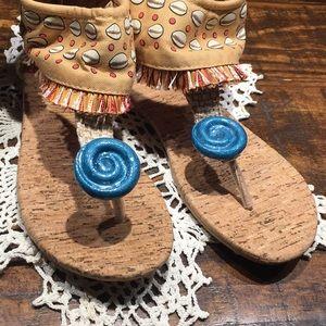 Never worn Disney kids sandals- zip heel sz 6 kids